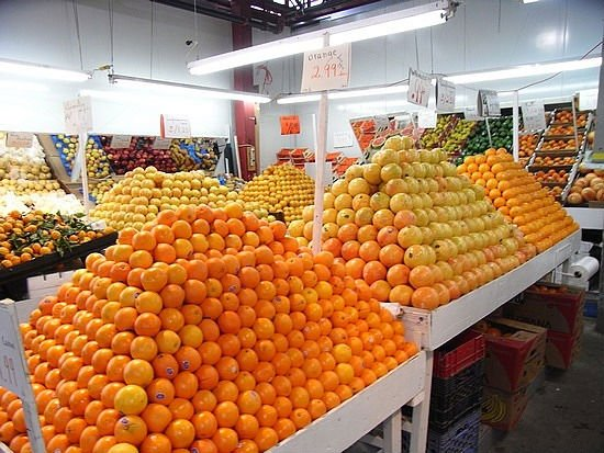 oranges in store